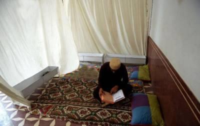 ملک بھر میں لاکھوں فرزندان اسلام اعتکاف میں بیٹھ گئے