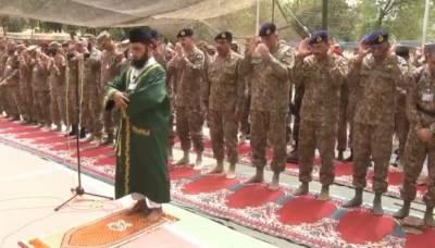 آرمی چیف نے عید لائن آف کنٹرول پرجوانوں کے ساتھ منائی