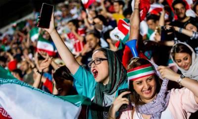 فٹبال ورلڈ کپ کے دوران ایرانی خواتین نے تاریخ رقم کردی