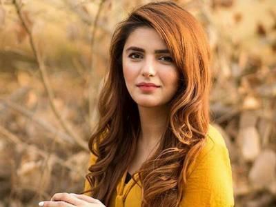 دنیا خوبصورتی کے بجائے مجھے کام سے پہچانے، مومنہ مستحسن