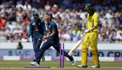 آخری ون ڈے :انگلینڈ نے آسڑیلیا کو ایک وکٹ سے شکست دے کر وائٹ واش کر دیا