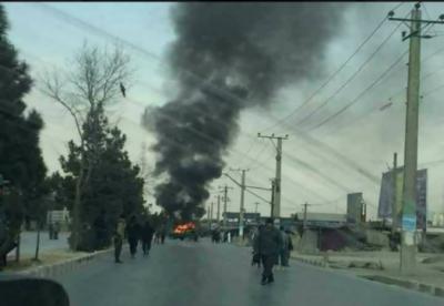 افغانستان، امریکی فوجی قافلے پر کار بم حملے میں 5 افراد ہلاک