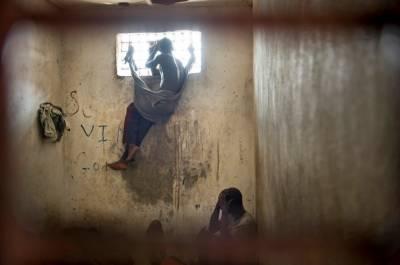 آئین میں غریب ، امیر قیدیوں میں فرق ، قانونی محرکات کیا ہیں ؟ حیران کن تفصیلات سامنے آ گئیں