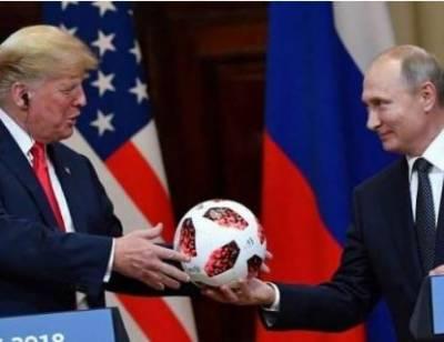 روسی صدر کا ٹرمپ کو پاکستانی فٹ بال کا تحفہ