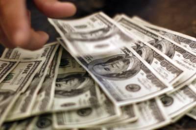 روپے کی قدر میں مزید کمی، ڈالر 130 روپے تک پہنچ گیا