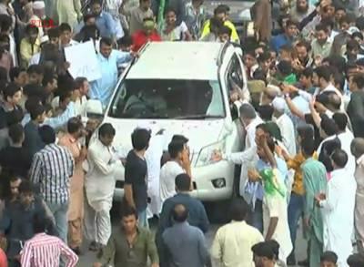 مری میں شاہد خاقان عباسی کے قافلے پر پتھراؤ، ایک شخص زخمی