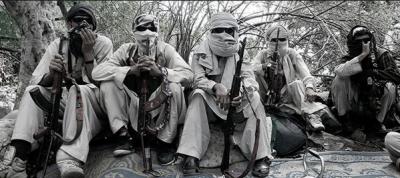 افغانستان میں داعش اور طالبان میں لڑائی، 300 ہلاک، ہزاروں بے گھر