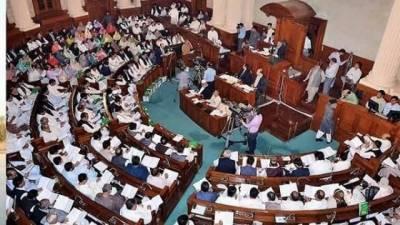 پنجاب کس کا ہو گا؟ پی ٹی آئی اور ن لیگ میں سیاسی رسہ کشی عروج پر