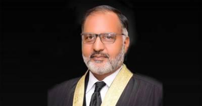 عمران خان نااہلی کیس،جسٹس شوکت عزیز صدیقی کو بینچ سے علیحدہ کردیا گیا