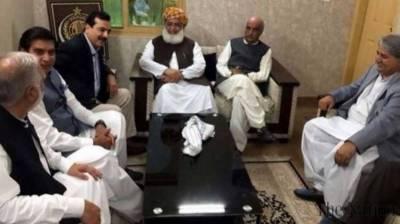 فضل الرحمن سمیت دیگر رہنما پارلیمنٹ جانے پر رضامند ، حالیہ انتخابات کو بدترین قرار دیدیا