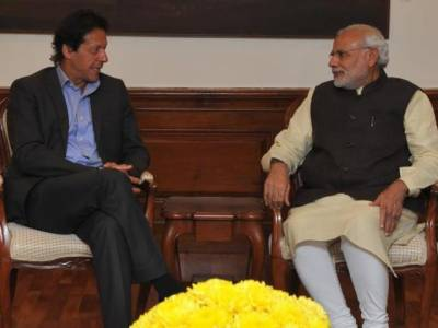 بھارتی وزیراعظم کا عمران خان کو ٹیلی فون ، الیکشن جیتنے پر مبارکباد
