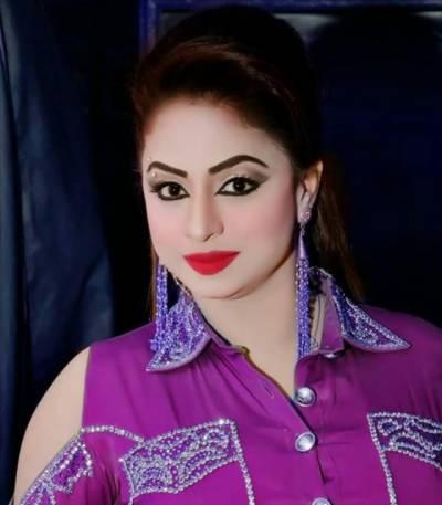 فیصل آباد میں سٹیج اداکارہ ندا چودھری کی گاڑی پر فائرنگ