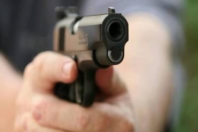 کراچی میں نامعلوم افراد نے کار سوار شخص کو گولیاں مار کر موت کے گھاٹ اتار دیا