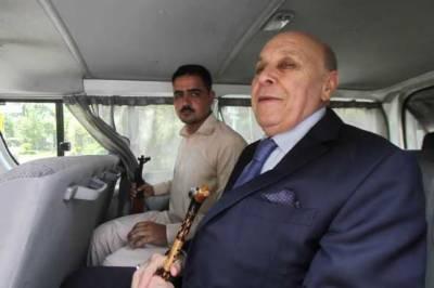 زرداری کے قریبی ساتھی انور مجید کا ایف آئی اے حکام کے ساتھ جارحانہ رویہ