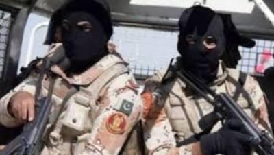 رینجرز سندھ نے شہر کے مختلف علاقوں میں کارروائیاں کرتے ہوئے 5 ملزمان کو گرفتار کرلیا