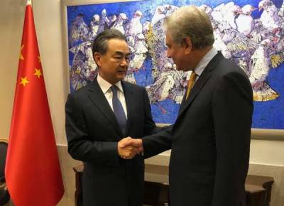 پاک چین وزراءخارجہ کا معاشی و ثقافتی سمیت دیگر امور پر تبادلہ خیال