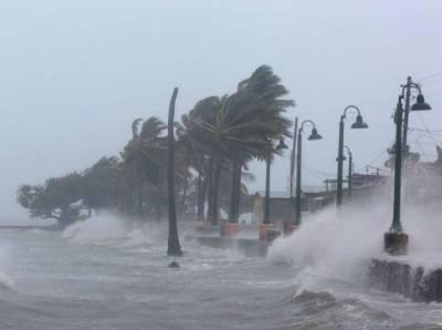 امریکا میں فلورنس نامی سمندری طوفان آج امریکی ریاستوں سے ٹکرائے گا