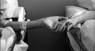 میاں اہلیہ کی وفات کا صدمہ برداشت نہ کرسکا،دونوں کی نماز جنازہ ایک ساتھ ادا