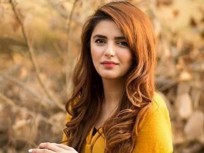 مومنہ مستحسن کی سوشل میڈیا پر وائرل تصاویر نے سب کو حیران کر دیا