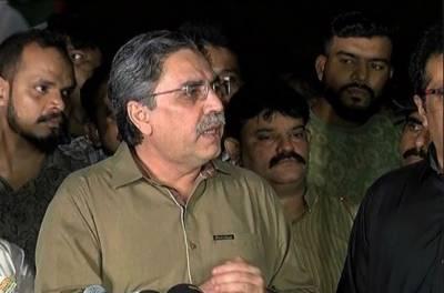 وزیر اعظم عمران خان کی ٹیم میں انتشار پایا جاتا ہے، عامر خان