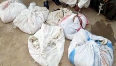 بدین، گاڑی سے 11 سو زہریلے سانپ برآمد، 2 ملزم گرفتار