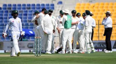 دوسرا ٹیسٹ،پاکستان کی آسٹریلیا کیخلاف بیٹنگ جاری