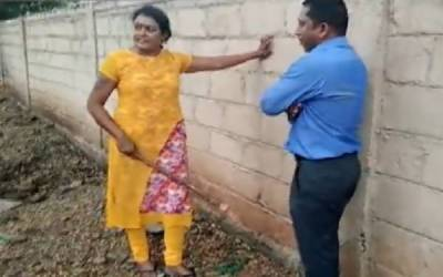 خاتون کے ہاتھوں بینک منیجر کی پٹائی کی ویڈیو وائرل ہو گئی
