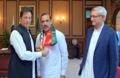 آزاد ایم پی اے بلال اصغر پی ٹی آئی میں شامل