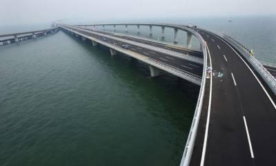 چین میں سمندر پر بنا طویل ترین پل مکاؤکا افتتاح