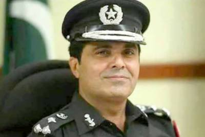 ٹریفک پولیس کو حکم دیتا ہوں، غریبوں کو وارننگ دے کر چھوڑ دیں، کراچی پولیس چیف