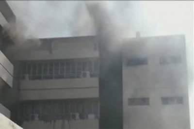 پریس انفارمیشن ڈیپارٹمنٹ اسلام آباد میں آتشزدگی، متعدد ملازمین محصور
