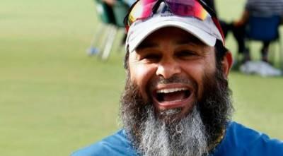 مشتاق احمد نے ویسٹ انڈین ٹیم کے ساتھ معاہدہ کر لیا