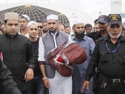 میری آئندہ لڑائی مارچ میں ہو گی جسکی دعا کیلئے داتا دربار آیا ہوں:باکسر عامر خان