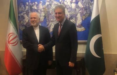 ایرانی وزیر خارجہ کی پاکستانی ہم منصب سے ملاقات، امور پر تبادلہ خیال