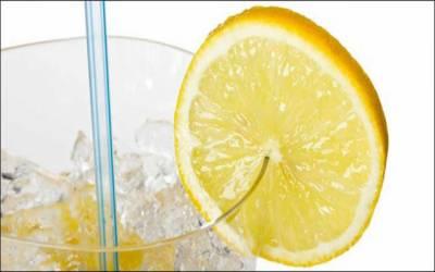 مشروب کے گلاس پر لگا لیموں کا ٹکڑا جراثیم کی آماجگاہ