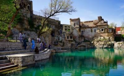 سپریم کورٹ نے کٹاس راج مندر کے تالاب کو پانی سے بھرنے کا حکم دیدیا