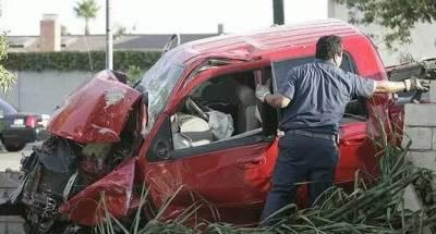 تیز رفتار کار ٹرالے سے ٹکرا گئی , میاں بیوی جاں بحق, دو حقیقی بھائی زخمی