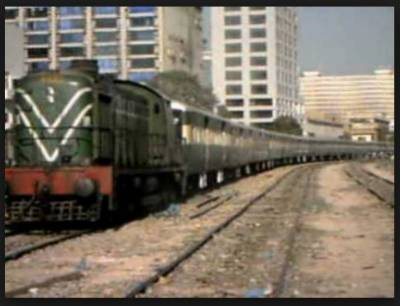 شیخ رشید کا سیاحت کے لیے تین ٹورسٹ ٹرینیں چلانے کا اعلان