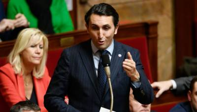 فرانس کی شہریت کےلئے فرانسیسی نام رکھنے کی انوکھی شرط کا مطالبہ