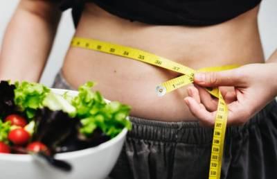 پیٹ کی چربی کم کرنے کے لیے اس آسان غذائی پلان پر عمل کریں