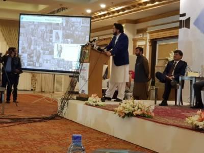 امن کیلئے منظور پشتین کو بھی گلے لگانے کیلئے تیار ہوں ، شہر یار آفریدی
