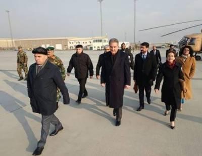 چار روزہ غیر ملکی دورہ،وزیرخارجہ شاہ محمود قریشی کابل پہنچ گئے