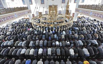 جرمن حکومت نے غیر ملکی امداد پر انحصار کم کرنے کیلئے مسجد ٹیکس عائد کر دیا