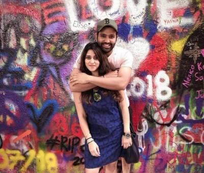 بھارتی کرکٹر روہت شرما بیٹی کے باپ بن گئے،آسٹریلیا کیخلاف آخری ٹیسٹ سے باہر