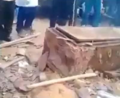 چین, نامعلوم شخص نے شادی کی خاطر اٹھارہ سالہ لڑکی کی لاش قبر سے چرا لی