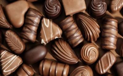 اب کھانسی کے سیرپ کو بھول جائیں ، چاکلیٹ ٹریٹمنٹ کے حیران کن فوائدسامنے آگئے