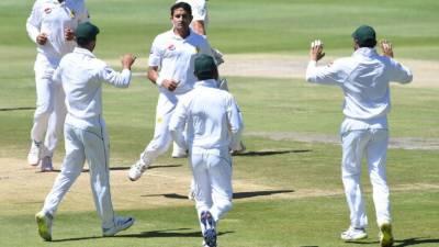 جنوبی افریقہ کے 262 رنز بنا کر آؤٹ ، پاکستان کے بھی 2 کھلاڑی پویلین لوٹ گئے