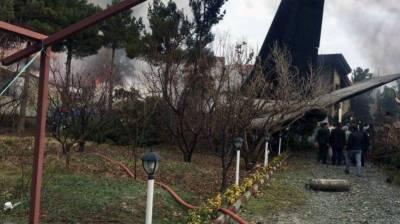 ایرانی شہر کاراج میں کارگو طیارہ گرکر تباہ،10 افراد ہلاک