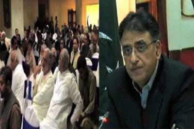 اسد عمر اور شاہ محمود کی پارٹی ارکان کو شکایات دور کرنیکی یقین دہانی