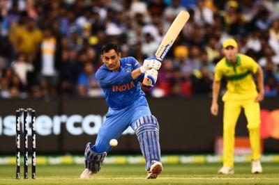 بھارت نے آسٹریلیا کو سنسنی خیز مقابلے کے بعد شکست دے دی